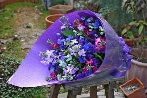 名古屋の花屋カームクームの花束アレンジメント/サンプル11